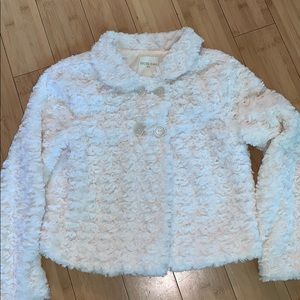 Forever 21 Girls size 11/12 cream fluffy jacket